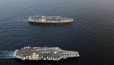 Hai tàu sân bay Mỹ luyện tập chiến đấu trên biển Nhật Bản