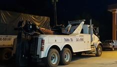 Xe kéo 'khủng' xuất hiện tại trạm BOT Cai Lậy
