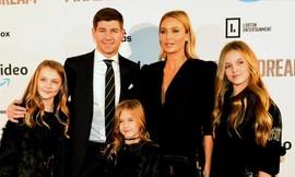 Steven Gerrard: Nghe vợ hay nghe con tim?