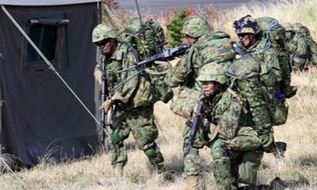 Lực lượng phòng vệ Nhật Bản trong một đợt diễn tập ở Kyushu năm 2018. (Ảnh: Nikkei)