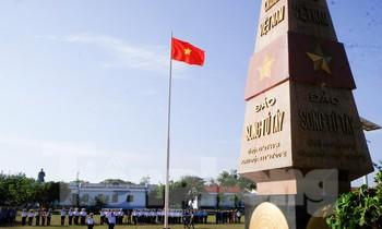 Trang nghiêm lễ chào cờ Tổ quốc trên quần đảo Trường Sa