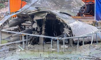 Tu sửa hồ chứa xác pháo đài bay B52 ở Hà Nội