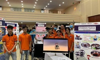 Lac Hong University's electric wheelchair project won the first prize at EPICS competition