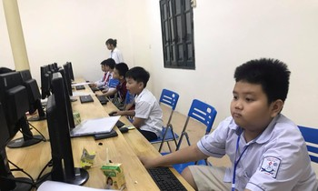 The 26th Hanoi Youth Informatics Contest final round has 240 contestants
