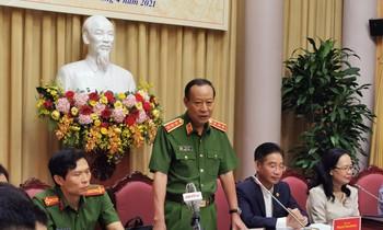 Thượng tướng Lê Quý Vương, Thứ trưởng Bộ Công an trao đổi với phóng viên