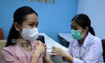 Sáng 4/5, tại viện Pasteur TPHCM, Bộ Y tế đã tổ chức tiêm vắc xin COVID-19 của hãng Astrazeneca (Vương quốc Anh) cho đội ngũ phóng viên tuyên truyền về công tác phòng chống dịch COVID-19 ở khu vực phía Nam.
