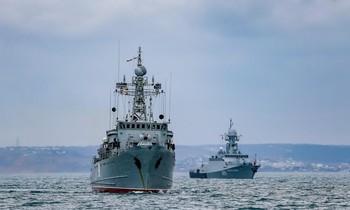 Tàu chiến Nga tập trận trên Biển Đen. Ảnh: Bộ Quốc phòng Nga