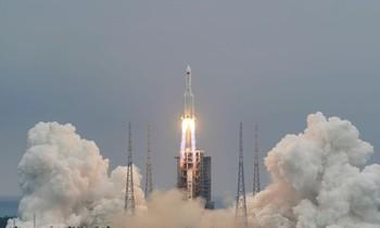 Tên lửa Trường Chinh 5B của Trung Quốc được phóng ngày 29/4. Ảnh: Reuters