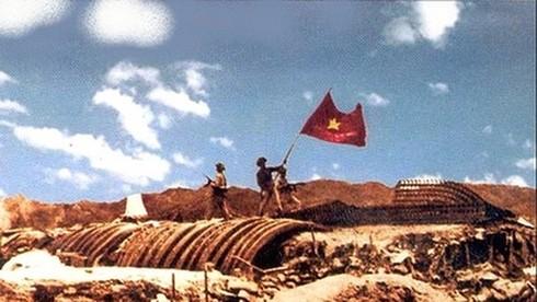 Ai là người trực tiếp chỉ huy cuộc vây bắt tướng De Castries ngày 7/5/1954?