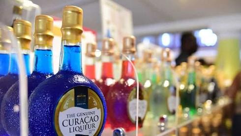Loại quả nào được dùng để làm rượu Curaçao?