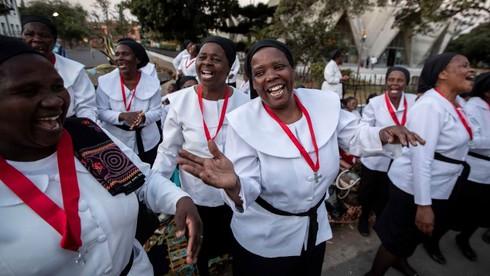 Ngôn ngữ chính thức ở Mozambique là gì?