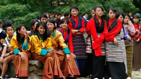 Người Bhutan thường xuyên mặc trang phục truyền thống cả ngày thường?