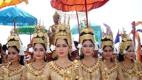 Campuchia nổi tiếng với những văn hóa độc đáo. Khi đến quốc gia này, bạn cần lưu ý điều gì?