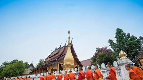 Tôn giáo chính ở Lào là gì?