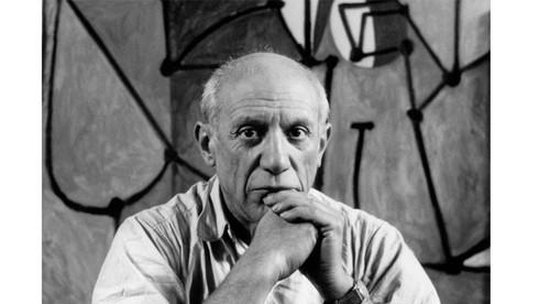 """Theo mẹ ông kể lại thì từ đầu tiên mà cậu bé Pablo Picasso nói được chính là """"piz"""", cách nói tắt của từ """"lápiz"""", trong tiếng Tây Ban Nha có nghĩa là gì?"""
