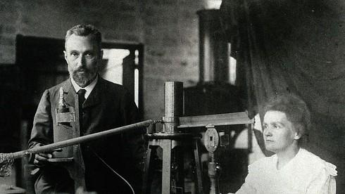 Marie Curie đã gặp chồng tương lai, Pierre Curie như thế nào?
