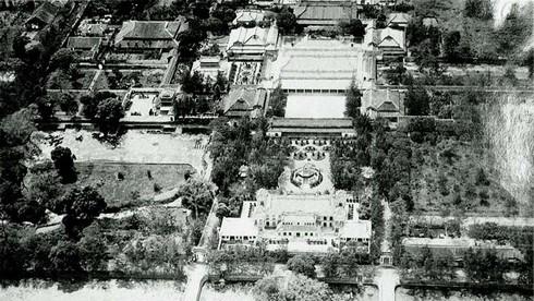 Trường Đại học đầu tiên của Việt Nam được thành lập năm nào?