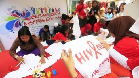 Có bao nhiêu thứ tiếng đang được nói ở Indonesia?