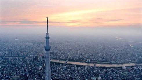 Tháp truyền hình cao nhất thế giới nằm ở đâu?