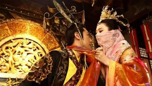 Vị vua nổi tiếng ăn chơi của triều Trần, từng cho mở sòng bạc ngay tại hoàng cung?