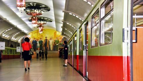 Hệ thống tàu điện ngầm của Triều Tiên sâu thứ mấy trên thế giới?