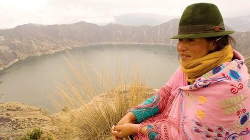 Đa số người dân Ecuador là tín đồ của?