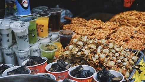 Món ăn nào là đặc sản của Phượng Hoàng cổ trấn?