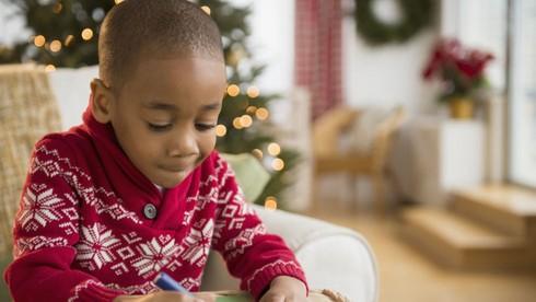 Câu 10: Mã thư tín riêng của ông già Noel là gì?