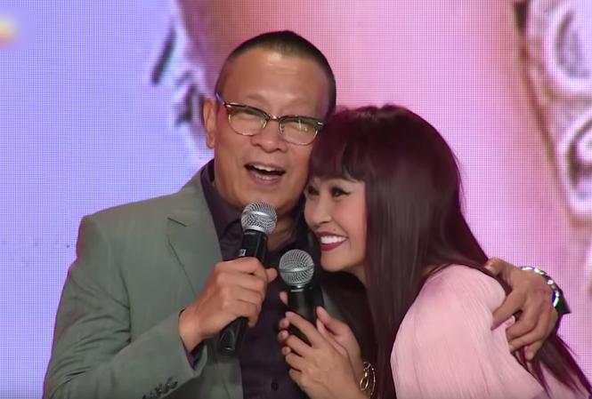 """Phương Thanh xúc động khi xuất hiện ở chương trình """"Ký ức vui vẻ""""."""