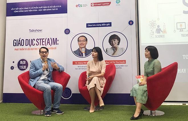 Các diễn giả chia sẻ tại chương trình