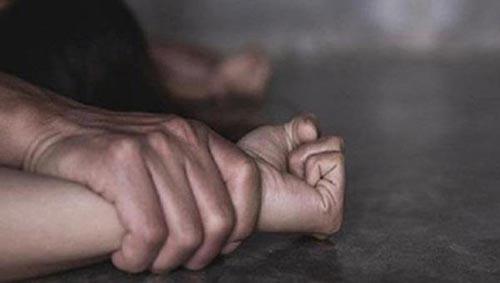 Hai thanh niên thay nhau cưỡng hiếp cô gái 12 tuổi trong đêm  #báo_mới_online
