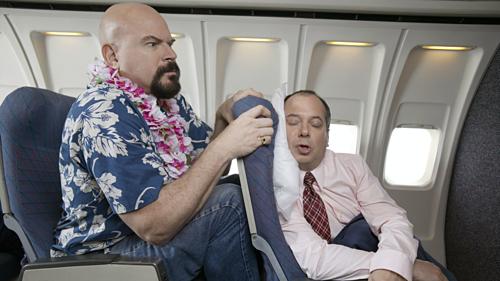 Vì sao có người tỉnh như sáo, người ngủ li bì trên máy bay?