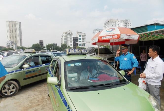 Taxi Hà Nội sẽ mặc đồng phục từ 3 đến 5 màu sơn.