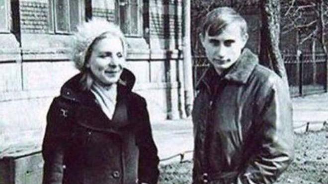 Tổng thống Putin thời trẻ.