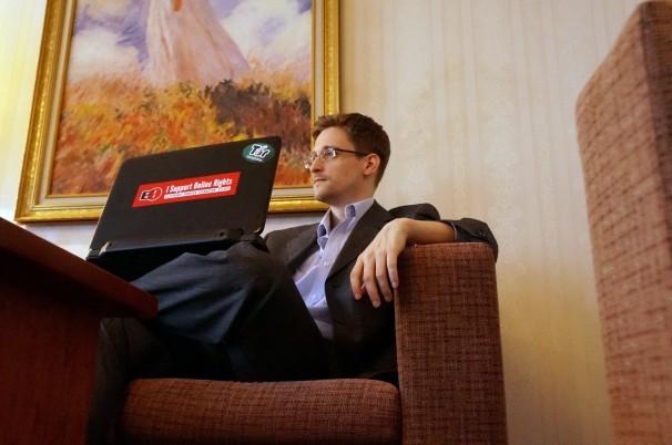 'Kẻ lộ mật' Snowden giúp Nga sáp nhập Crimea?