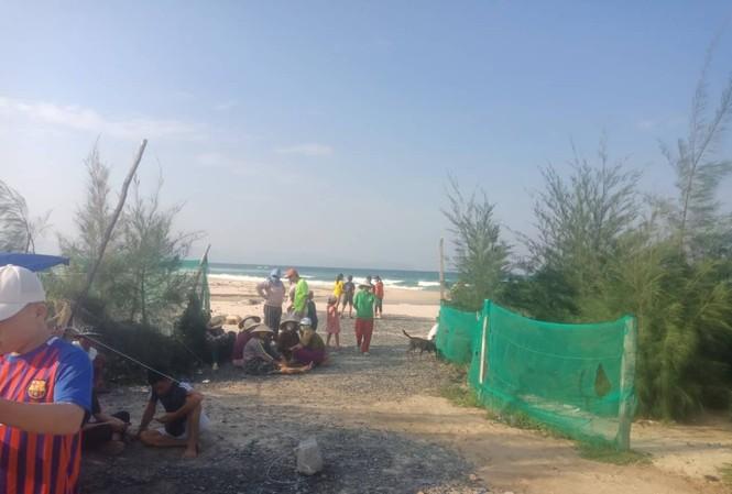 Hai cựu sinh viên Đại học Hoa Sen mất tích khi tắm biển Hòn Gầm