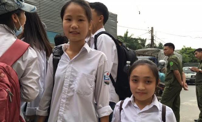 Thí sinh Phạm Thị Lan và người bạn đưa Lan đi học hàng ngày Phạm Thị Huệ.