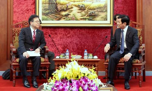 Chủ tịch nước Trương Tấn Sang tiếp Phó Chánh văn phòng Nội các Chính phủ Nhật Bản. Ảnh: VOV