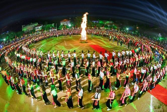 Dự kiến 5 nghìn người tham gia màn đại Xòe ở Yên Bái