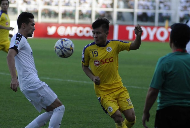 Quang Hải không kịp về nước tập trung cùng đội tuyển Việt Nam sau khi gặp trục trặc ở sân bay Nga    Ảnh: AFC
