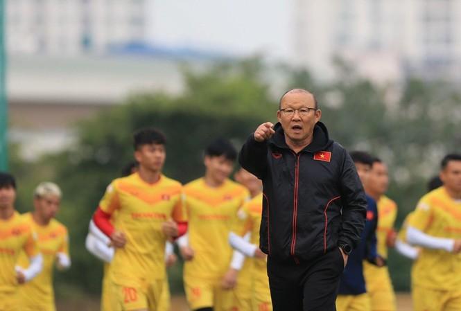Kế hoạch chuẩn bị cho trận đấu với Malaysia của HLV Park Hang Seo có thể phải điều chỉnh vì dịch COVID-19   ảnh: Anh Tú
