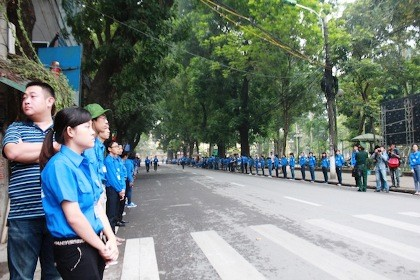 6.400 đoàn viên thanh niên hỗ trợ nhân dân vào viếng Đại tướng