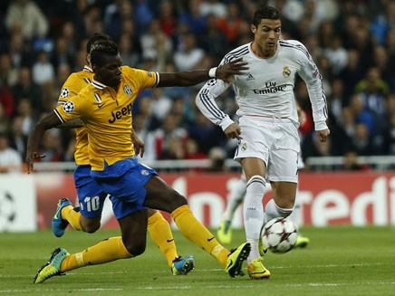 Cả châu Âu dưới gót giày Ronaldo