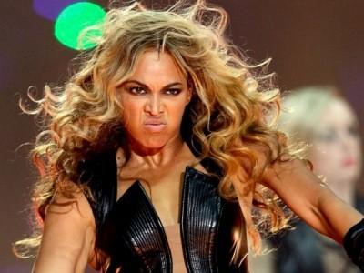 Beyonce đột ngột gày giơ xương