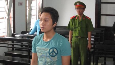 Bị cáo Nguyễn Trường Thọ trước vành móng ngựa.