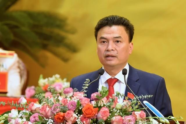 Ông Trịnh Huy Triều, Chủ tịch UBND TP Thanh Hoá trình bày tham luận tại Đại hội