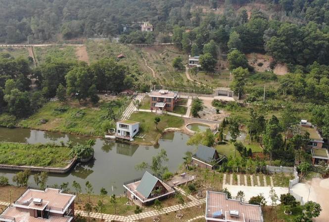 Nhiều công trình vi phạm trên đất rừng Sóc Sơn (Hà Nội)