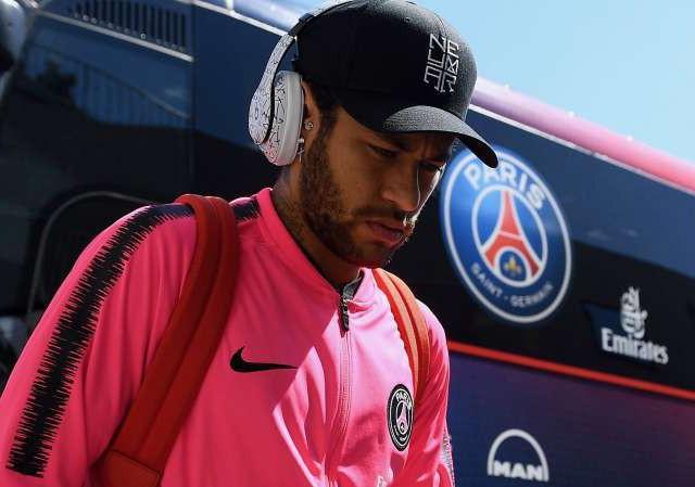 Neymar bị phạt vì coi thường lãnh đạo PSG