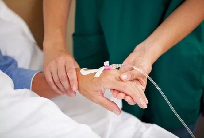 Phản vệ là một biến chứng nặng nề trong thực hành lâm sàng, xuất hiện khi bệnh nhân được tiếp xúc với một dị nguyên, trong đó với thuốc cản quang được xem là dị nguyên hay gặp nhất. Ảnh minh hoạ: Internet