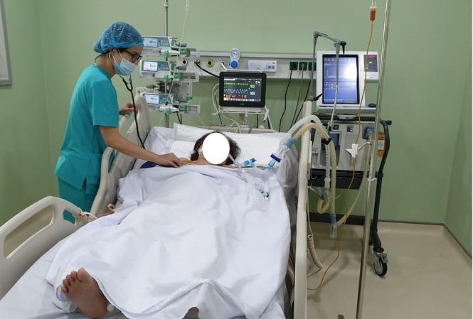 Bệnh nhân sau sốc nhiệt đang được điều trị tích cực tại Bệnh viện TW Quân đội 108